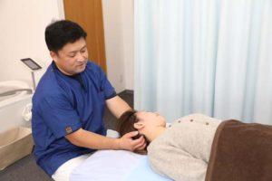 首・頭の施術